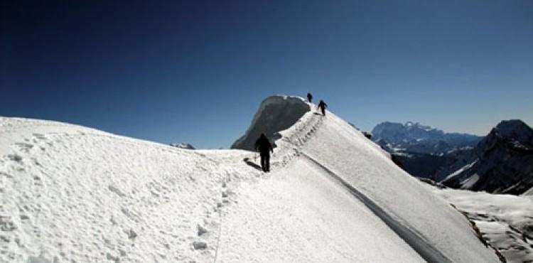 Chulu East Peak Climbing (6,584m)